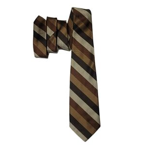 Brown diagonal striped tie